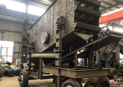 mobile vibrating screen of mobile aspahlt crusher